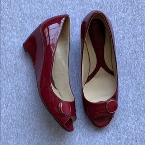 Naturalizer 8 patent red wedge heel